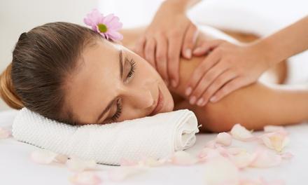 3 o 5 massaggi a scelta da 45 o 70 minuti al Centro Benessere Belladonna Dandelion (sconto fino a 79%)