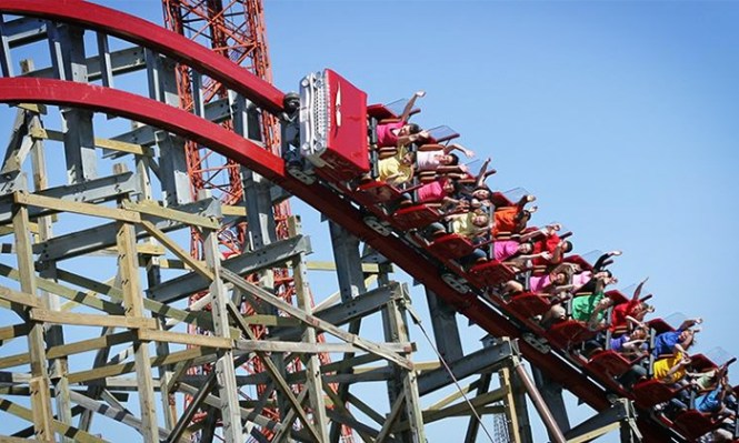 Six Flags Over Texas Arlington Daily Park Admission Meal And Parking Passes