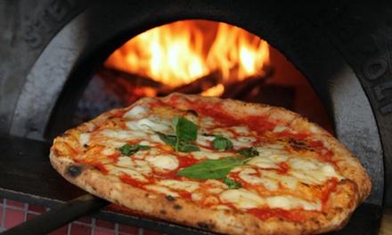 Menu pizza o bruschetta con dessert e birra per 2 o 4 persone in Pizzeria e Bruschetteria Sasa (sconto fino a 63%)