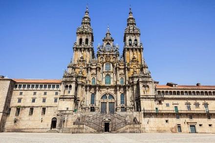 Recorrido por Santiago de Compostela y la fortaleza Valença: Día completo desde Braga y Guimarães