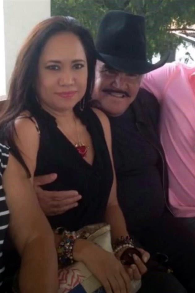 Otra mujer exhibe tocamiento por parte de Vicente Fernández