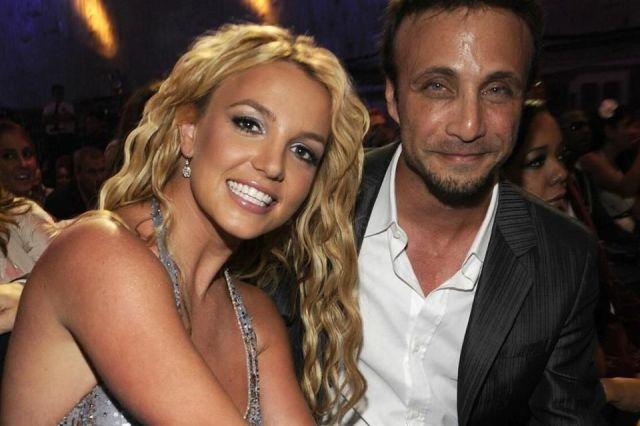 Renuncian mánager y abogado de Britney Spears