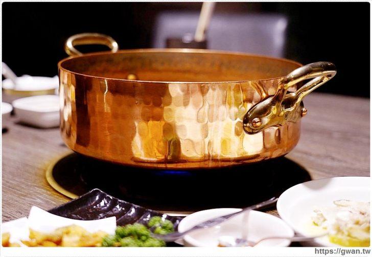 20200327155947 8 - 熱血採訪│台中火鍋界的LV吃過嗎?全店獨立包廂、專人桌邊服務,讓你體驗動口不動手的頂級殘廢鍋!