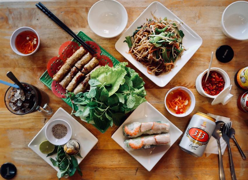 桃園異國料理/中壢鳴心越南牛肉河粉,很多養眼辣妹的越南小吃店