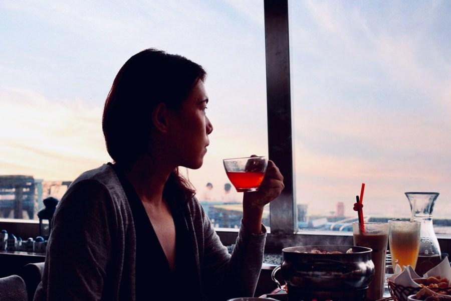 桃園景觀餐廳/龍潭白圍牆,乳姑山賞視野遼闊的夜景,最遠可看到台北101