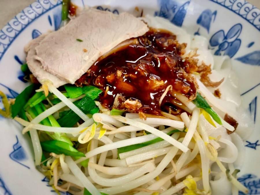 苗栗平價美食/三義金榜麵館,客人總是絡繹不絕前來朝聖的老麵館