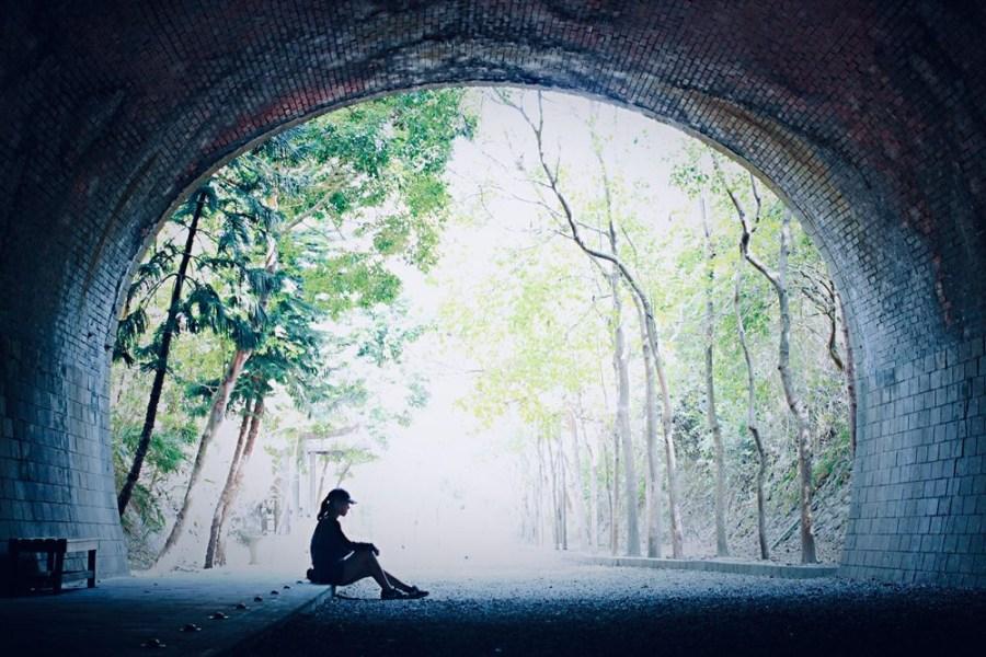 苗栗旅遊景點/竹南崎頂車站,崎頂子母隧道,一同感受隧道的歷史痕跡