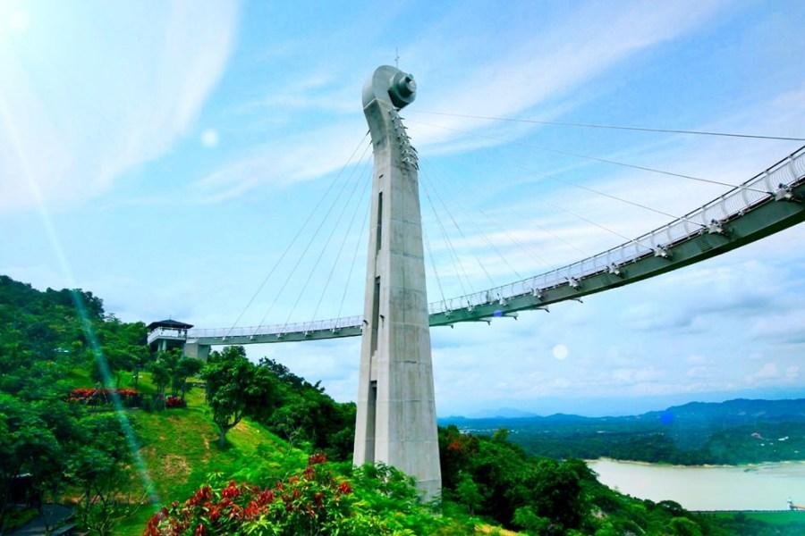 高雄旅遊景點/崗山之眼天空廊道,享受漫步雲端眺望整個大高雄美景