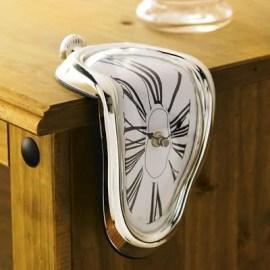 Erkeklere Yılbaşı Hediyesi Dali'nin Eriyen Saati