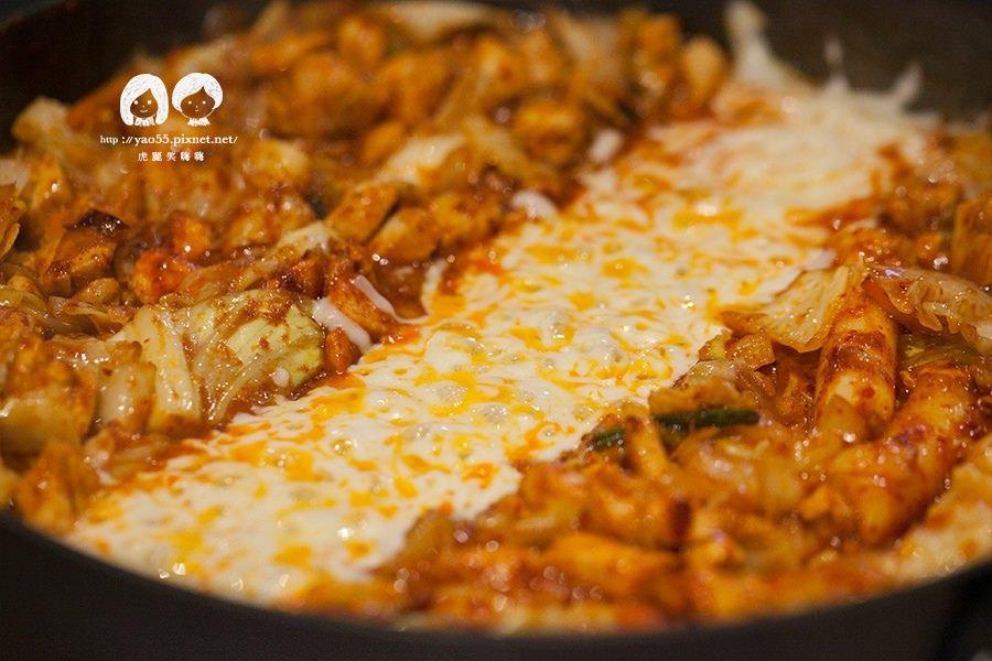 I'm Kimchi (高雄美食 左營區)銷魂韓式料理!起司河辣炒雞排超誘人