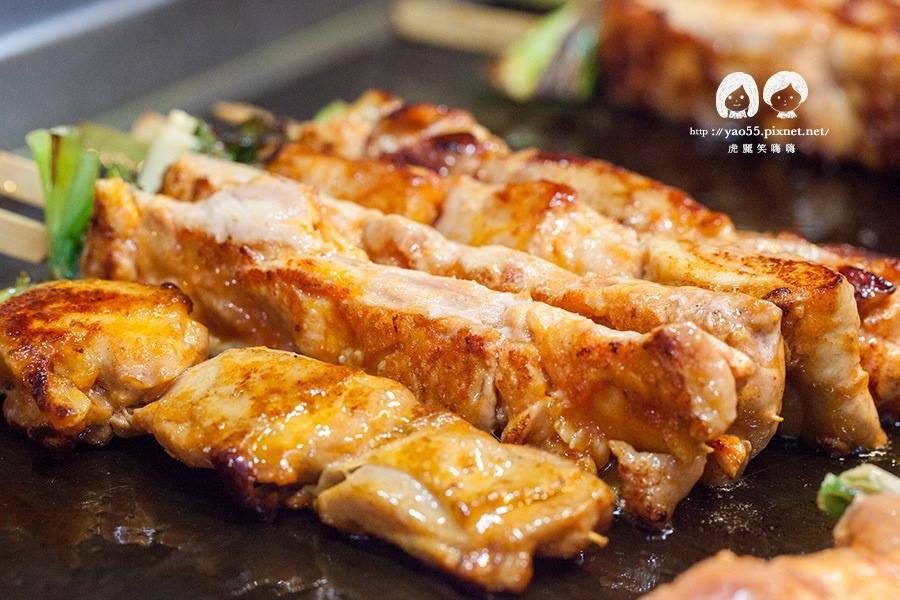 【美食】高雄|肉食控小吃!阿雞師韓醬串燒,加點獨家辣粉更夠味