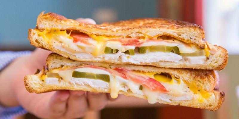 初味1.0 早午餐(高雄)爆漿起司古巴三明治,聚餐新店!激推美味蟹堡