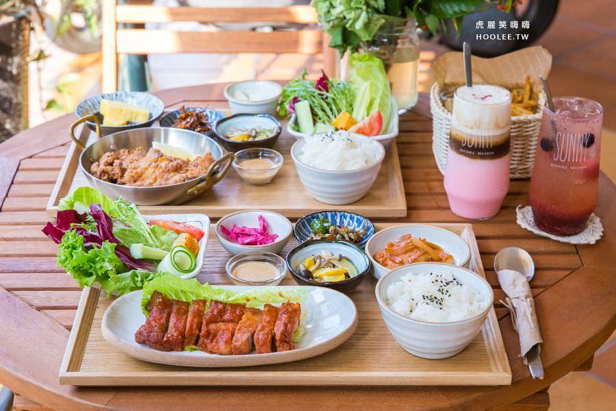 Duo Cafe(高雄)韓式咖啡料理店,約會首選!必吃厚切豬五花與草莓飲品