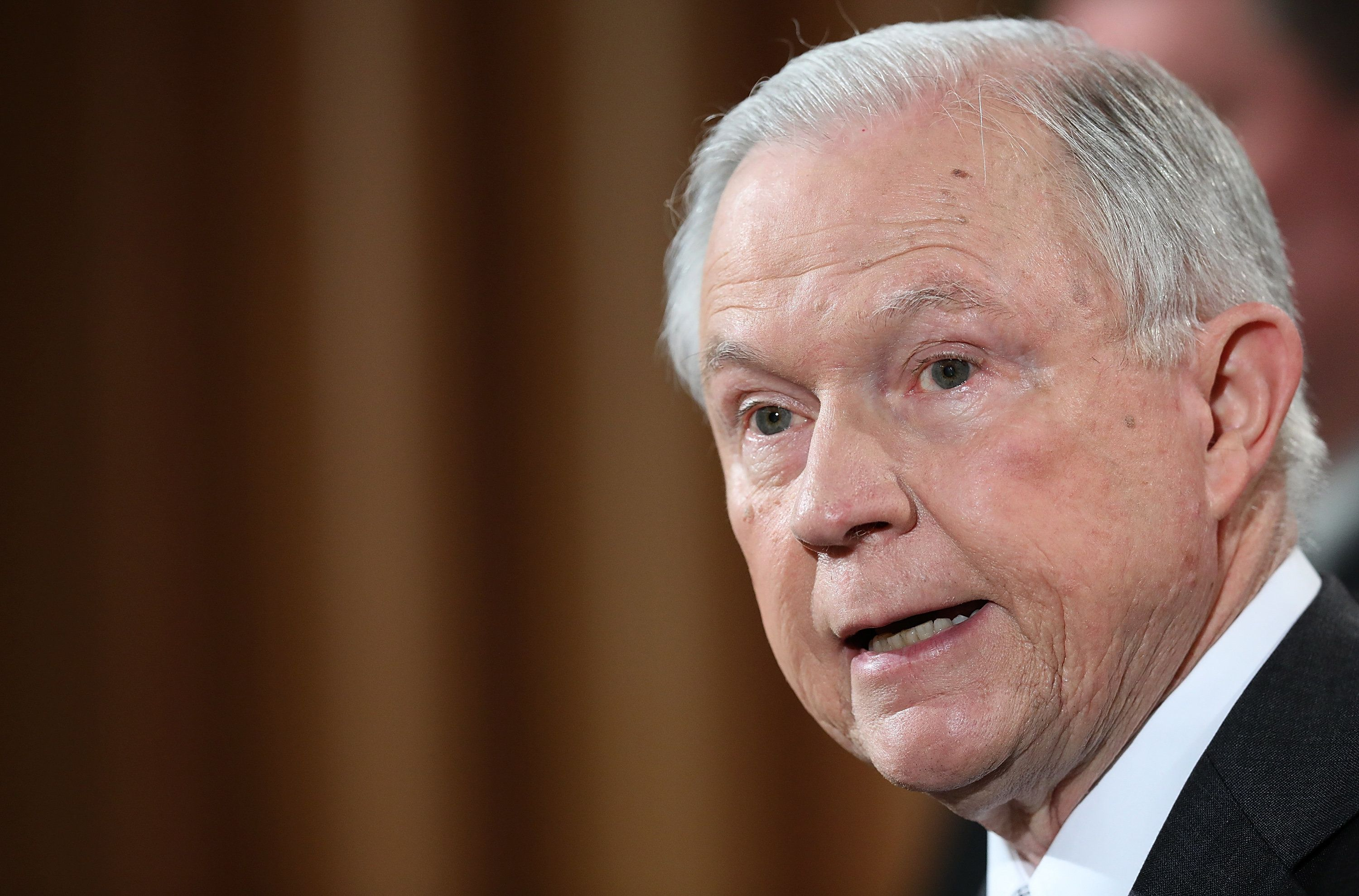 Jeff Sessions Reportedly Failed To List Russian Ambassador ...