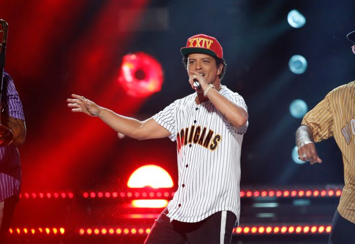 Bruno Mars Donates $1 Million To Help Victims Of Flint Water Crisis Bruno Mars Donates $1 Million To Help Victims Of Flint Water Crisis 59918eb41500007d208b6694