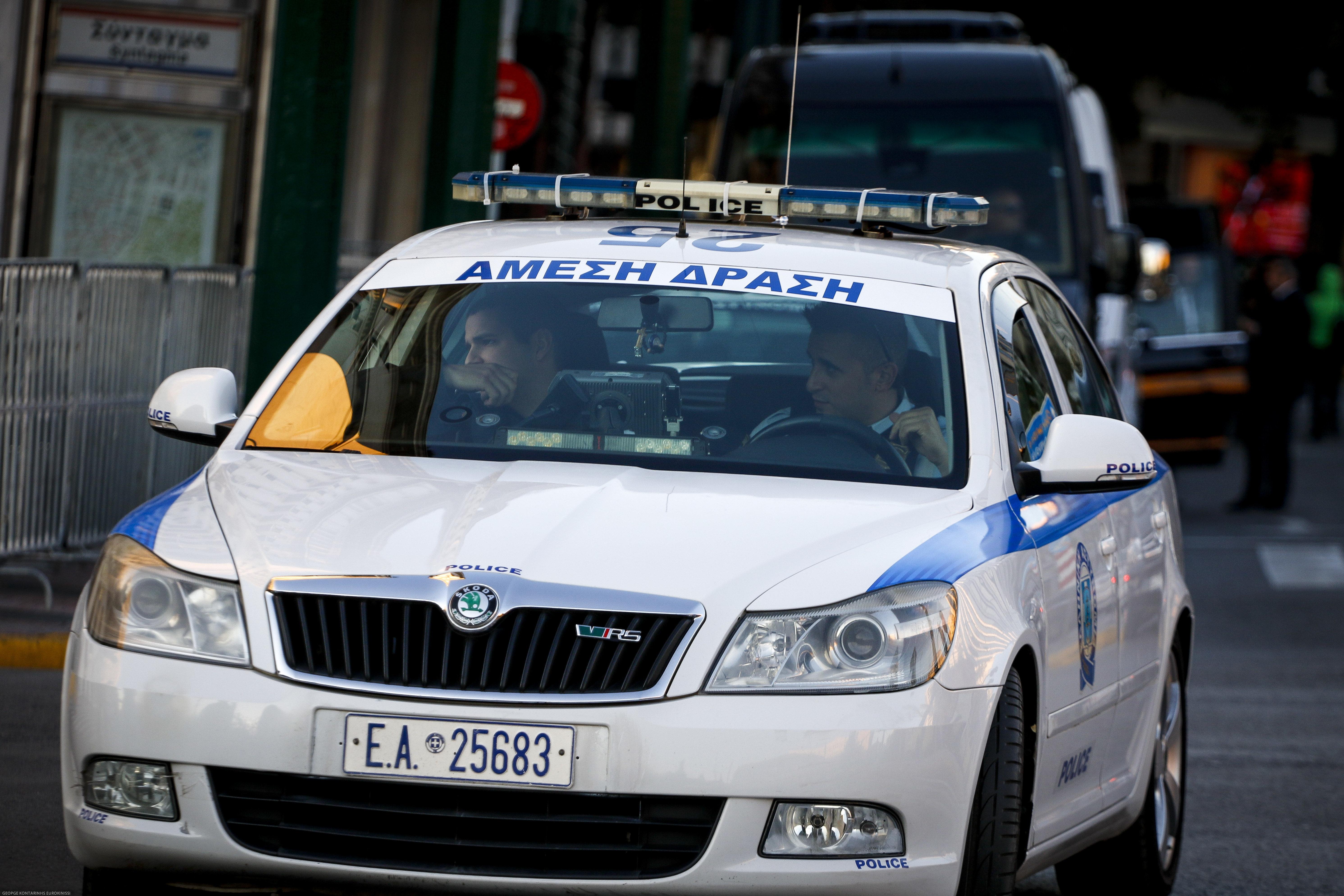 Αντιεξουσιαστές έριξαν πέτρες σε λεωφορείο που μετέφερε κόσμο για το συλλαλητήριο στη Θεσσαλονίκη