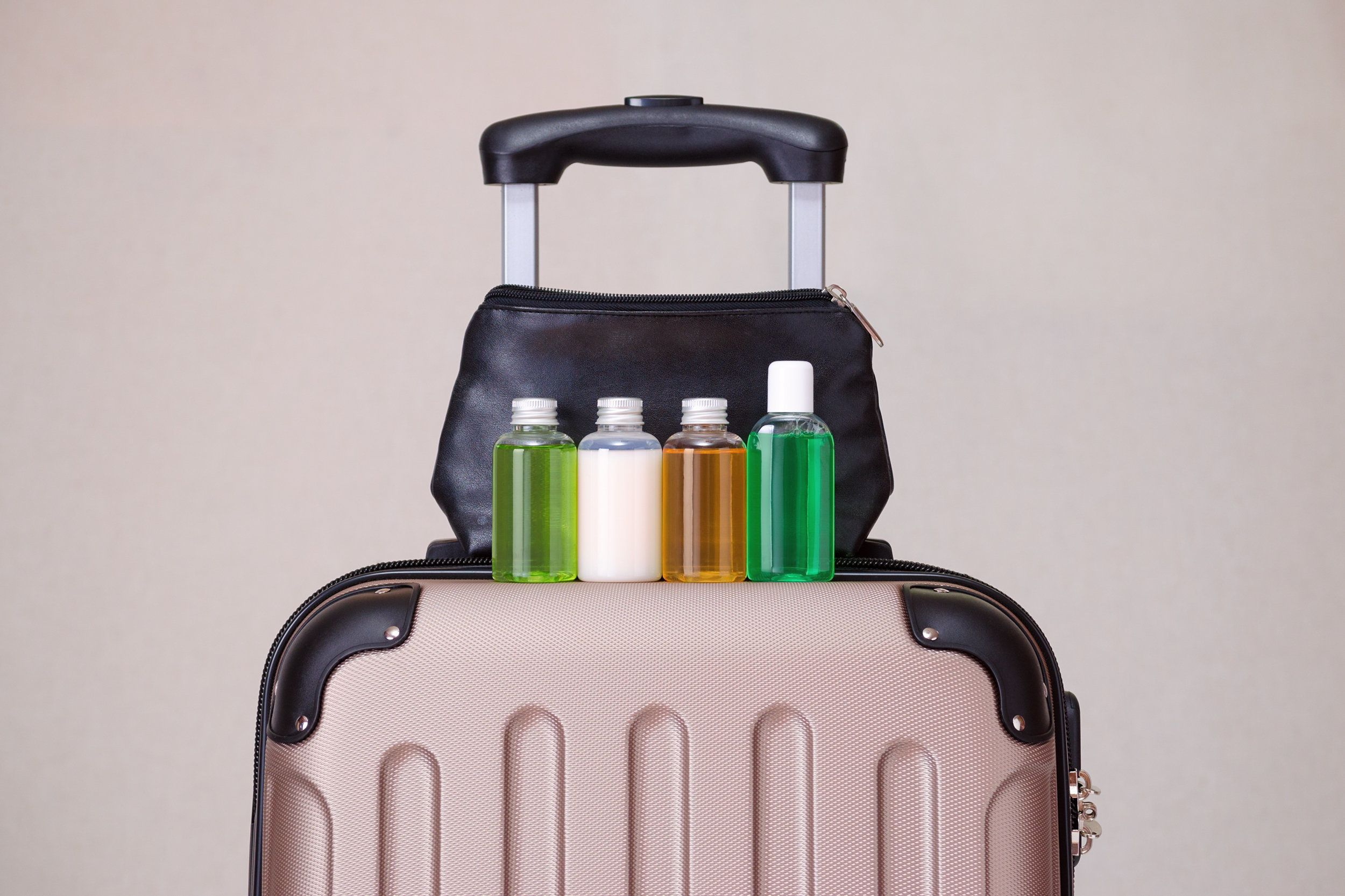 Πώς να μην πληρώνετε παραπάνω για τις βαλίτσες στα αεροδρόμια