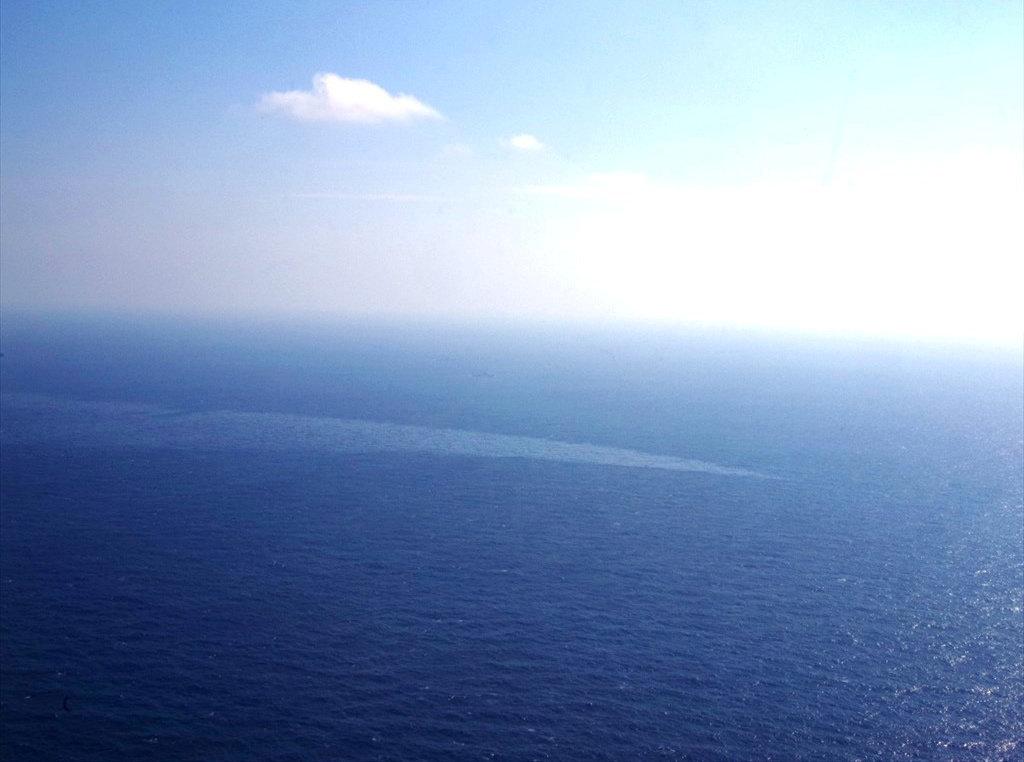 Τριπλασιάστηκε η πετρελαιοκηλίδα από το ιρανικό δεξαμενόπλοιο
