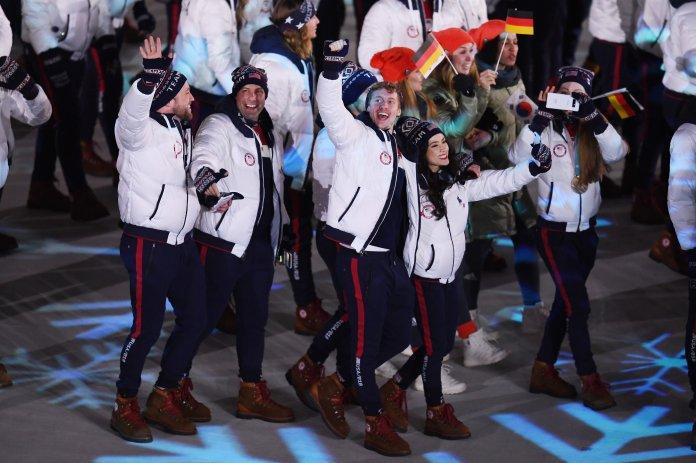 Stunning Photos Capture The 2018 Olympics' Closing Ceremony In All Its Glory Stunning Photos Capture The 2018 Olympics' Closing Ceremony In All Its Glory 5a92dae7210000a0076023f1