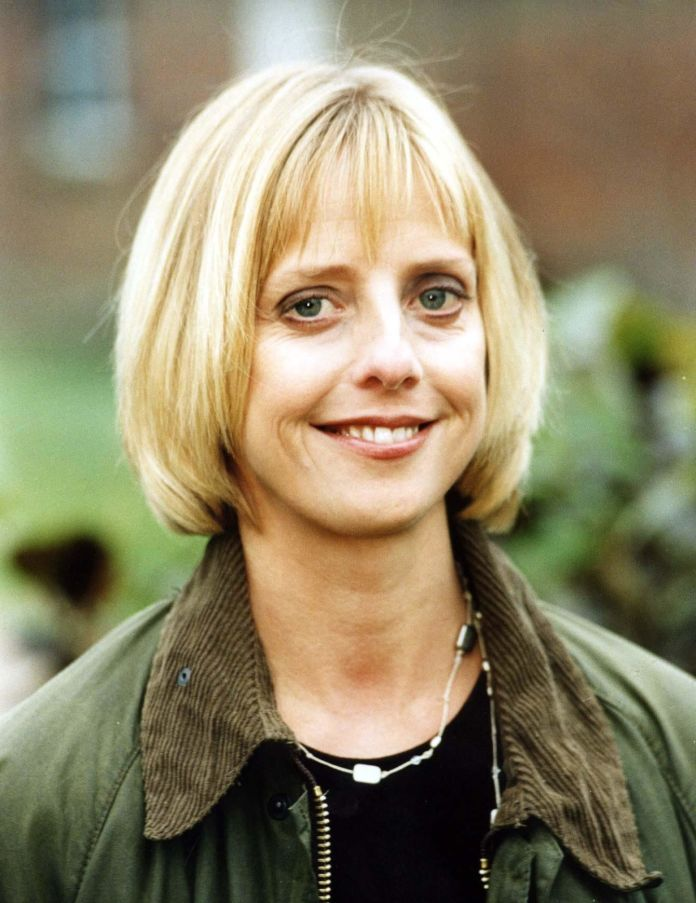 'Notting Hill' Actress Emma Chambers Dead At 53 'Notting Hill' Actress Emma Chambers Dead At 53 5a940cd51e000046057acd2b