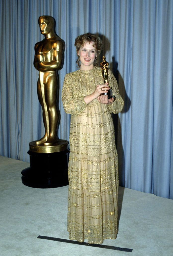 A Stunning Look At 4 Decades Worth Of Meryl Streep's Oscars Style A Stunning Look At 4 Decades Worth Of Meryl Streep's Oscars Style 5a947e592000002d00eb0062
