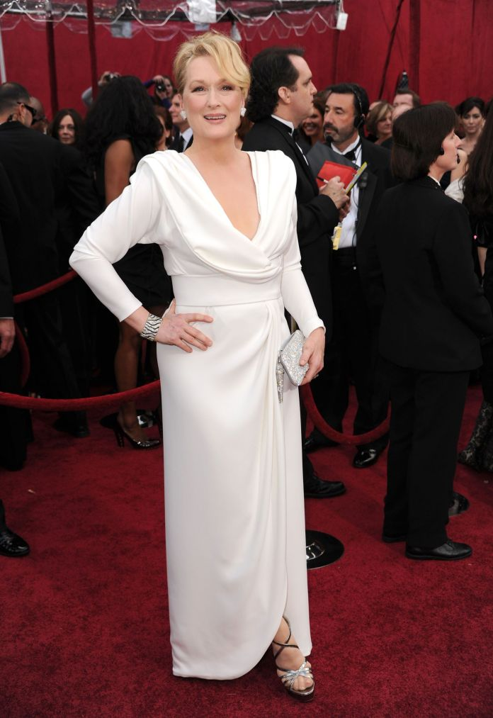 A Stunning Look At 4 Decades Worth Of Meryl Streep's Oscars Style A Stunning Look At 4 Decades Worth Of Meryl Streep's Oscars Style 5a9480e21e000017087acdfd