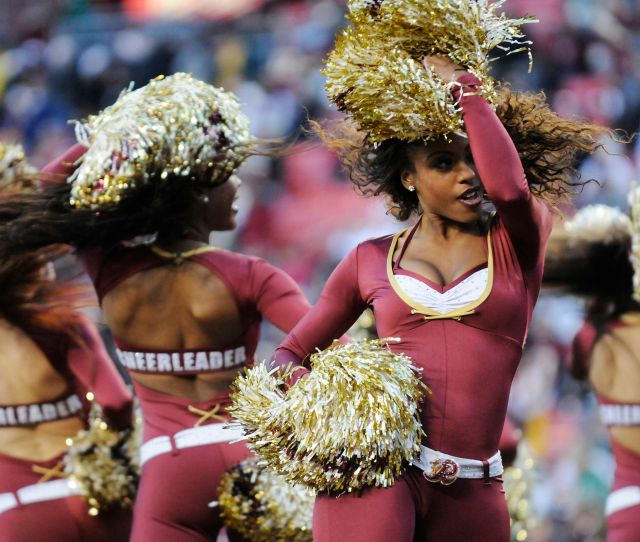 Washington Nfl Cheerleaders Say They Were Required To Pose Nude Act As Escorts Report Huffpost