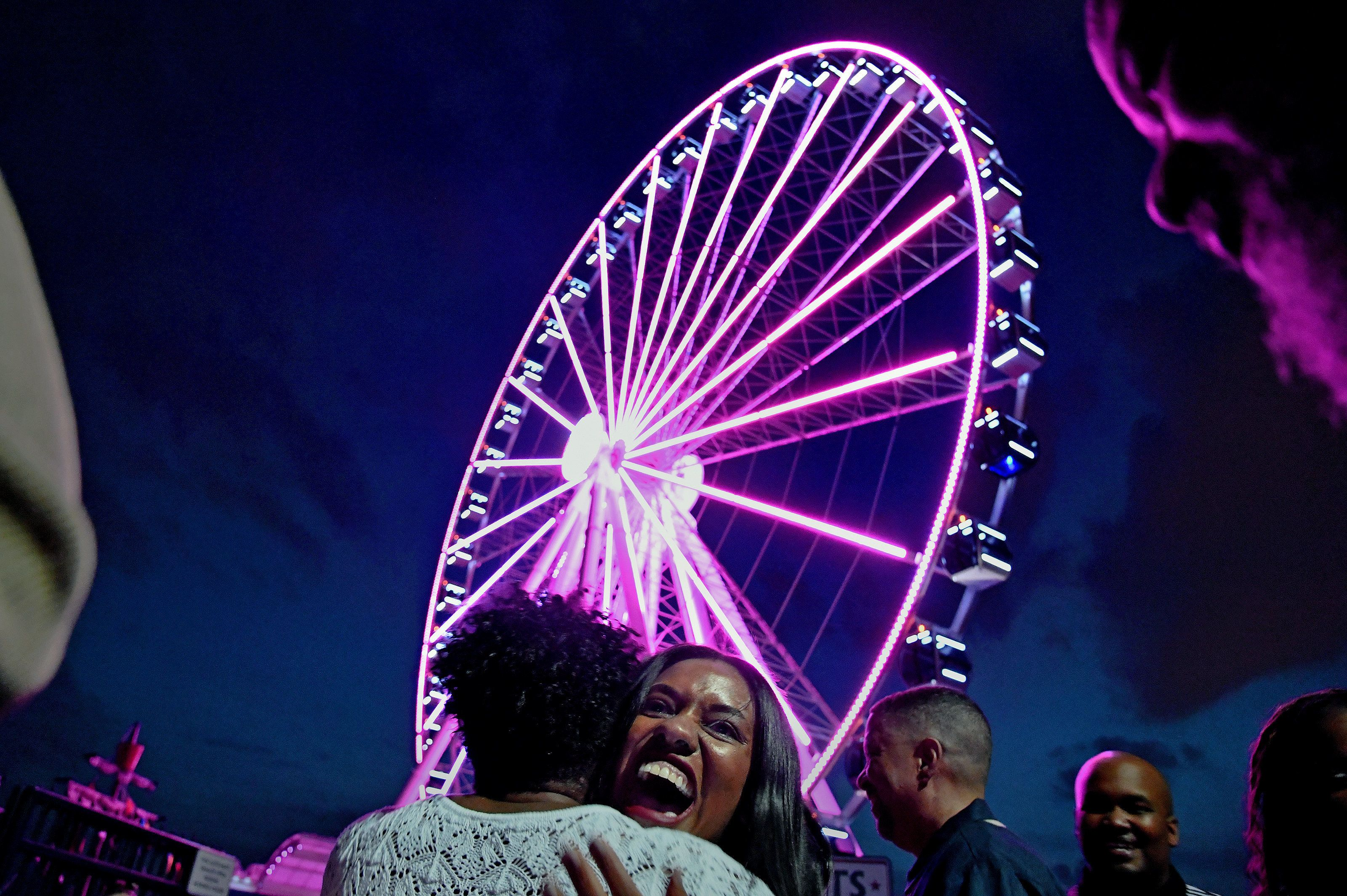 A couple from the Washington, D.C., area learned the sex of their unborn baby via the lights on a Ferris wheel at National Ha