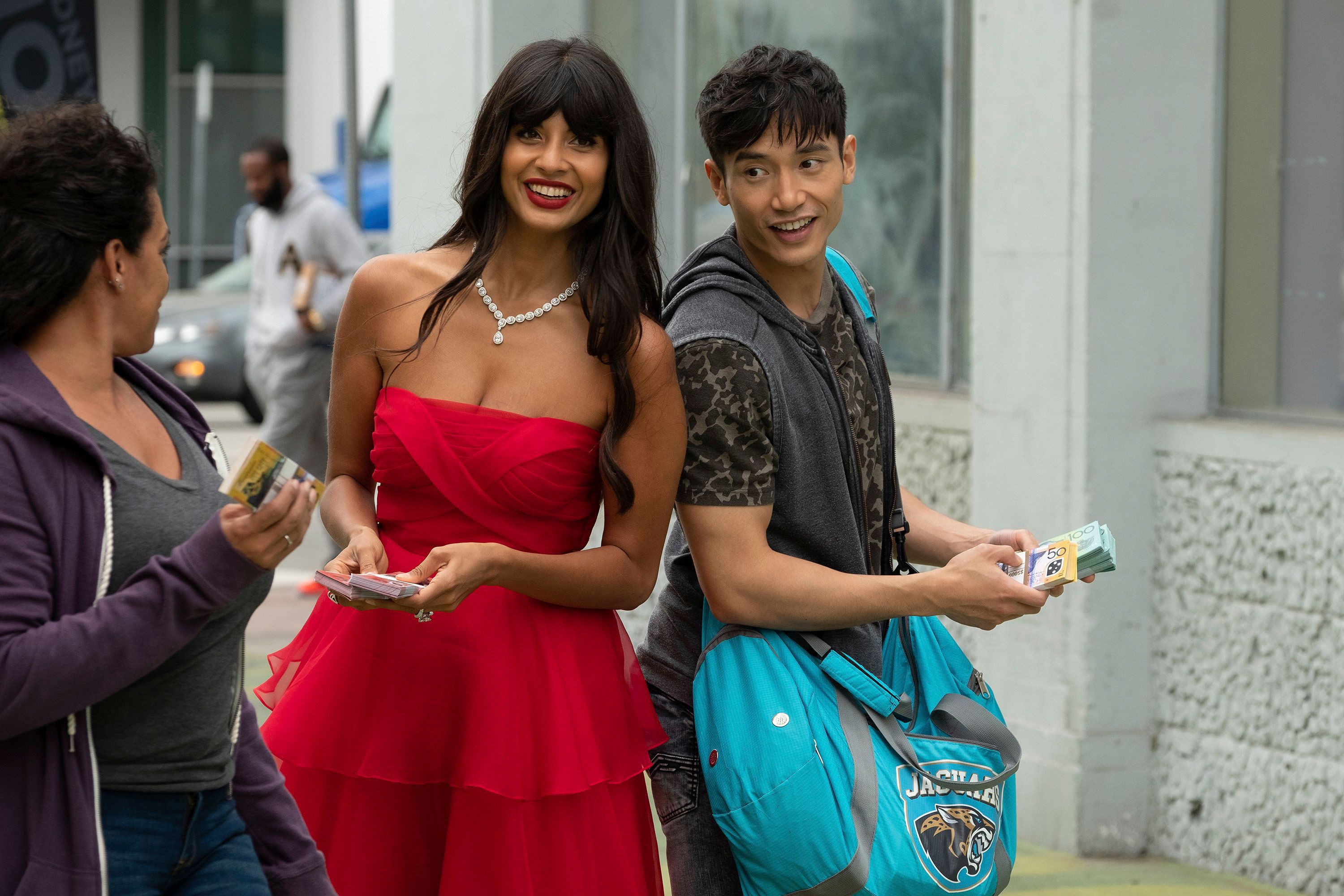 """Jameela Jamil and Manny Jacinto in """"The Good Place."""""""