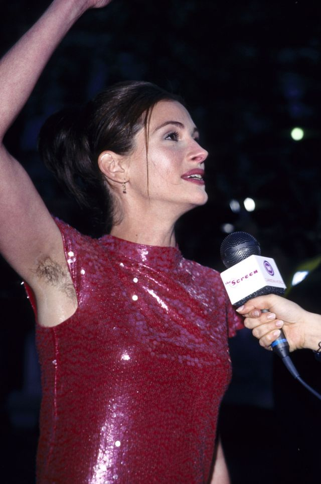 """Julia Roberts at the 1999 London premiere of """"Notting Hill."""""""