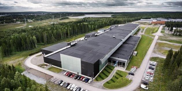 Facebook pubblica foto inedite del Luleå data center, in Svezia: la struttura sfrutta l'aria fredda della...