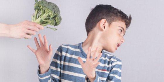 kid broccoli food boundaries huff post