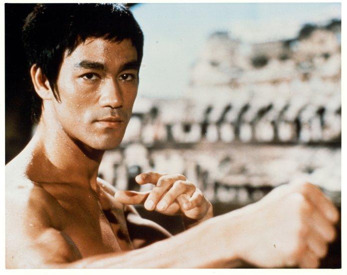 Bruce en 1973 dans le film