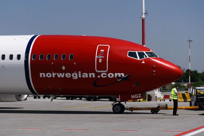 Στα πρόθυρα της χρεοκοπίας μια από τις μεγαλύτερες αεροπορικές εταιρείας χαμηλού κόστους της