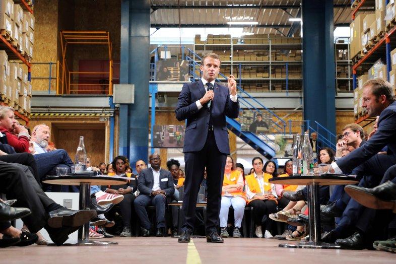 Le président Emmanuel Macrona rencontré les formateurs et les apprentis d'Ateliers...