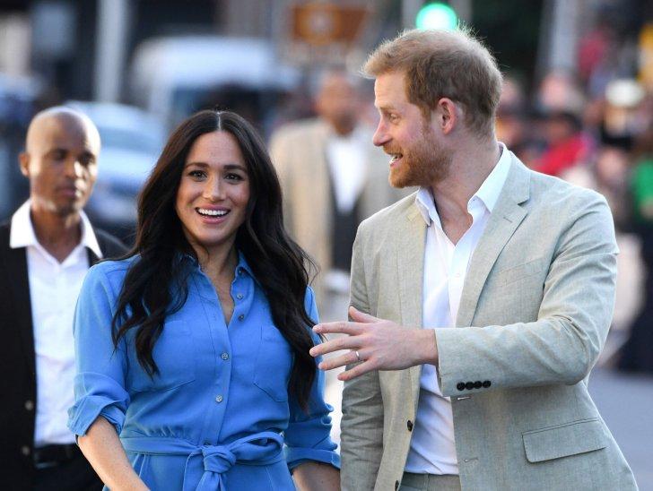El beso de Meghan Markle y el príncipe Harry que más alboroto provoca: la foto está en todos lados en el Reino Unido | El HuffPost