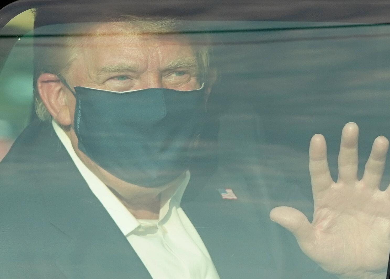 Ce dimanche 4 octobre, Donald Trump a rendu une visite surprise à ses partisans massés...
