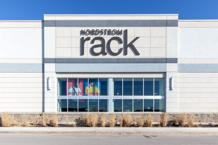 """Everything you need to know about&nbsp;Nordstrom Rack's&nbsp;&ldquo;<a href=""""https://fave.co/33WsByF"""" target=""""_blank"""" rel=""""noopener noreferrer"""">Happy Home Sale</a>."""""""
