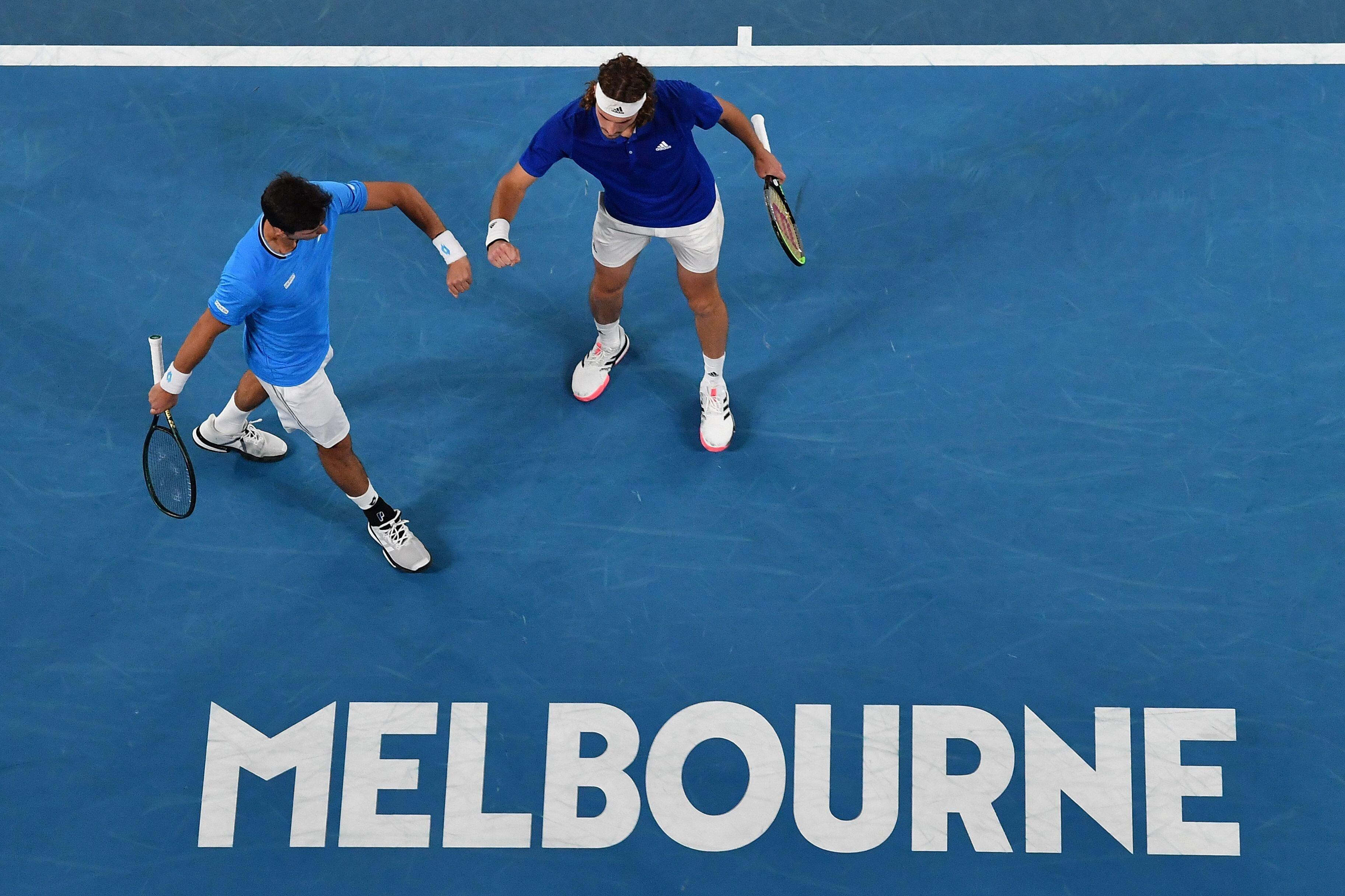 L'Open d'Australie, qui doit officiellement commencer lundi, avait été retardé de...