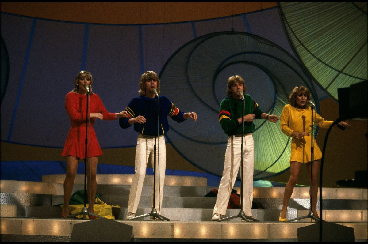 Bucks Fizz performing at Eurovision in