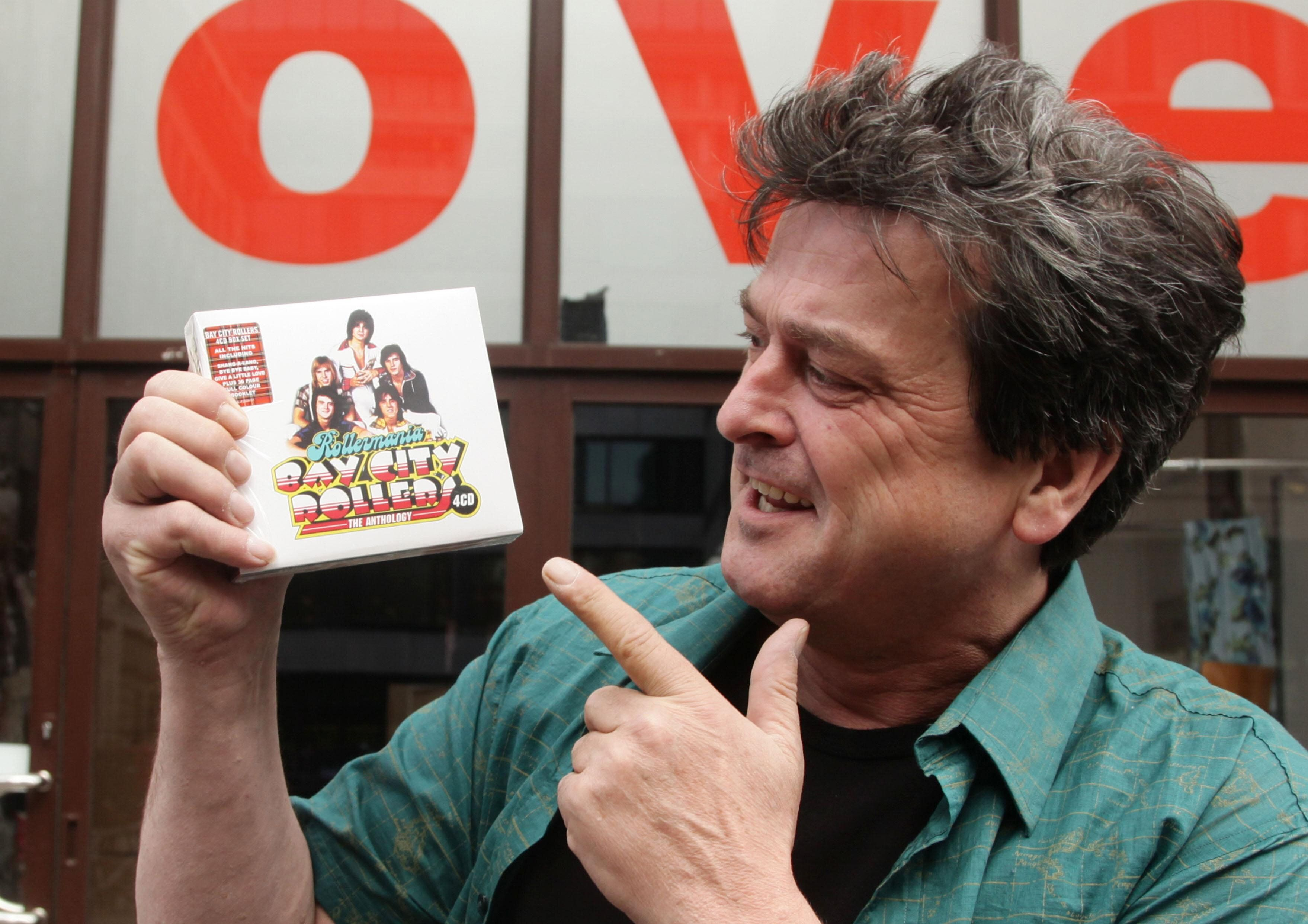 Les Mckeown Former Bay City Rollers Singer Dead At 65 247 News Around The World