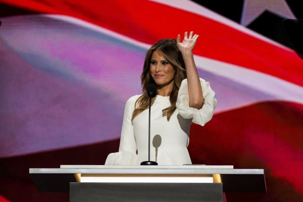 579abdf72a00002d00fb3880 - Congresswoman Trolls Melania Trump By Wearing Her Dress To DNC