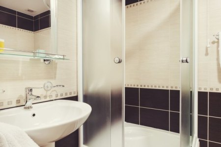 How to Design a 5  X 8  Bathroom   Hunker Small bathroom