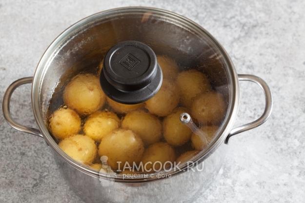 Lavar las patatas