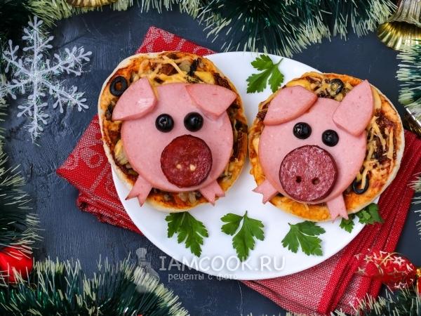 Новогодние мини-пиццы «Поросята» — рецепт с фото пошагово