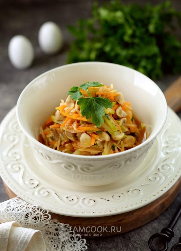 Тушеный корневой сельдерей с овощами и грибами — рецепт с ...