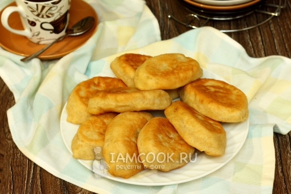 Жареные пирожки на кефире — рецепт с фото пошагово. Как ...