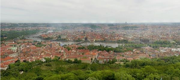 Fotógrafo cria imagem de Praga de 34 gigapixels composta por 2.600 fotos