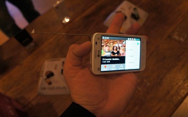 LG lança série LII no Brasil, incluindo celulares com 3 chips