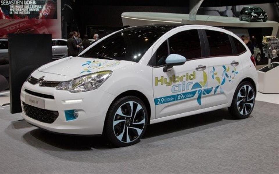 Carro movido a ar deve chegar ao mercado em 2016